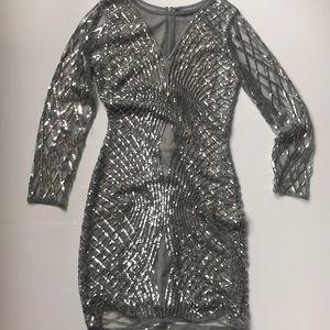 Dresses & Skirts - Silver Sequined Long Sleeve Dress Size S